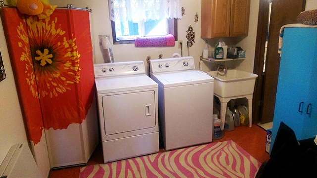 This is Loni's real laundry room; which is way too cute by the way!