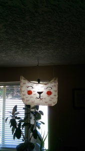 Loni's awesome kitty lamp that she used the Mod Podge Stiffy on.