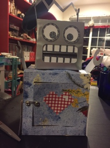 Loni's adorable love robot turned out great!
